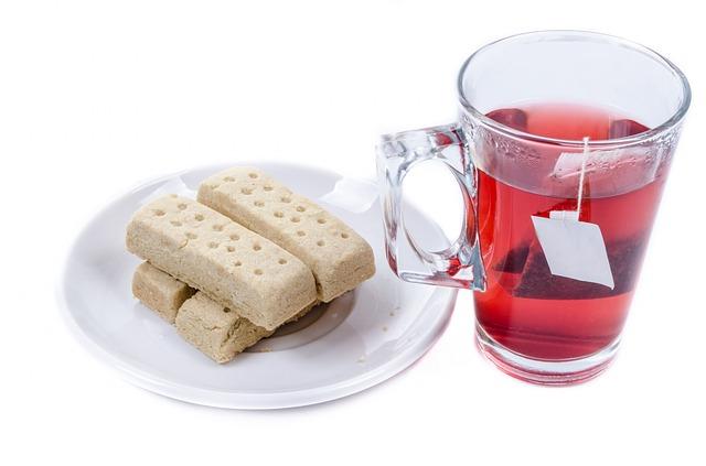 čaj a sušenky